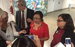 在獲得提名後,凌德麗(中)接受媒體採訪。 (Aries Dela Cruz提供)