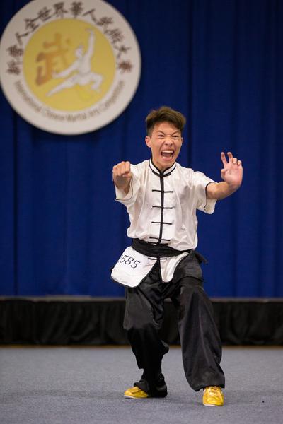 9月18日,新唐人武术大赛南方拳术组复赛,来自台湾 的徐钰舜 (SHIU,YU-SHUN ) 演示广西佛家拳的筋罡拳获得铜奖。(戴兵/大纪元)