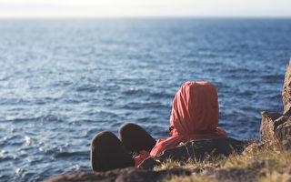 布羅根博士在2016年出版的新著中提出,憂鬱不是一種疾病,而是一種機體失衡的症狀和信號。(Bakhtiar Zein/Shutterstock)
