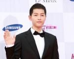 9月8日,2016年「首爾國際電視節大獎」頒獎典禮在KBS演播大廳舉行。圖為宋仲基走紅地毯。(全景林/大紀元)