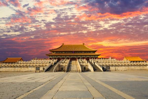 大陆资深媒体人观察从正发生的大戏验证了中国古训。(Fotolia)