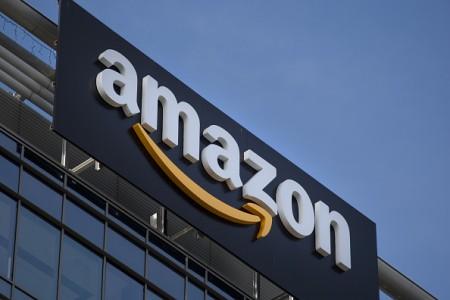 根据一份调查,亚马逊的运算机制有四分之三的时间将自家商品和结盟商家的商品放在首页,让消费者和其它商家吃闷亏。(Jaap Arriens/NurPhoto via Getty Images)