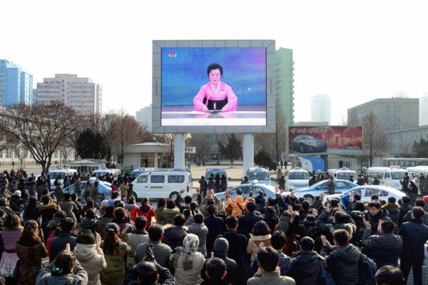 朝鲜金正恩政权不顾联合国决议,频频进行核试验,在美韩的敦促下,更多国家对其采行制裁措施,包括它的盟国。(AFP PHOTO / KCNA VIA KNS)