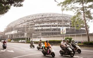 台北市長柯文哲8日召開記者會,宣布大巨案暫不解約,保留終止契約的權利。圖為遠雄大巨蛋。(陳柏州/大紀元)