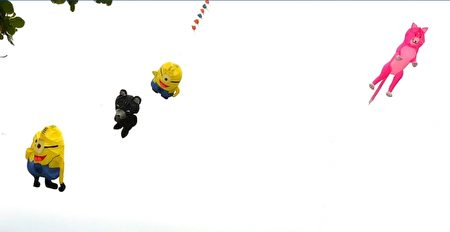 风筝飞上天空。(宋顺澈/大纪元)