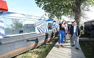 台中市長林佳龍日前率團參訪荷蘭阿姆斯特丹市Buiksloterham水岸再生地區,了解其運用「循環經濟」,從舊工業區轉型為永續生態園區的成功經驗。(台中市政府提供)