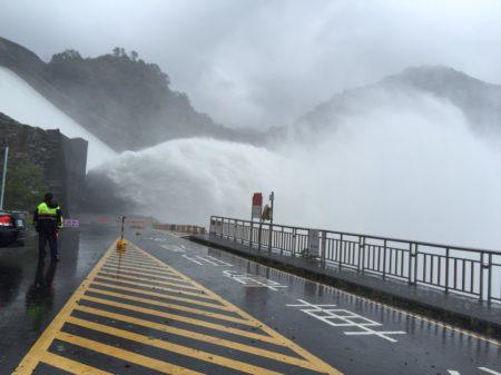 石门水库排沙泄洪。(北水局/提供)