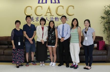 劉全今年暑假受邀參加華人社區教育主題講座,分享感言並擔任主持人。(何伊/大紀元)