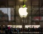 明年所有新款iPhone都可能支持无线充电功能。(VCG/VCG via Getty Images)