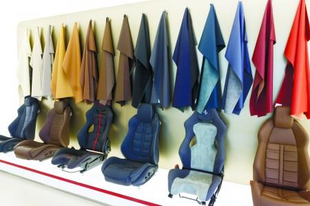 位于东京六本木的法拉利正规专卖店Rosso Scuderia。( 游沛然/大纪元)