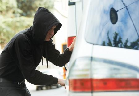 偷车贼在美国各地一直存在,即使新款车配有防盗保护,也无法阻止偷车贼下手。(fotolia)