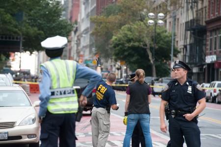 联合国(UN)大会前夕,纽约曼哈顿周六晚发生爆炸事件,纽约市市长白思豪表示,纽约居民将会看到更多警察在街巡逻。(Stephanie Keith/Getty Images)