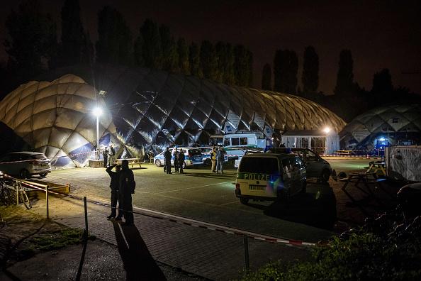 德国柏林警察开抢打死一难民