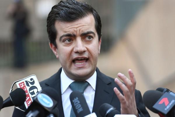 澳大利亞新州工黨參議員Sam Dastyari 辭去前排議員職務。(WILLIAM WEST/AFP/Getty Images)