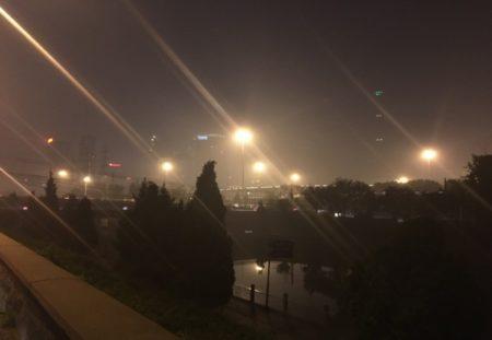 24日至25日,北京部分地區出現霧霾重度污染。(網絡圖片)