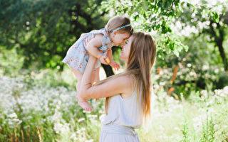 生活天天在变,但有种爱,是永恒的──妈妈的爱。(Fotolia)