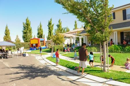 雀西市Tracy山屋区的社区环境。(Anil Wadhwani提供)