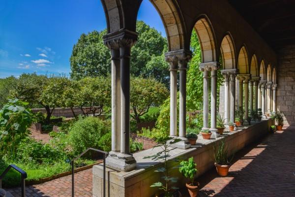 坐落于曼哈顿上城崔恩堡公园内的修道院博物馆。(fotolia)