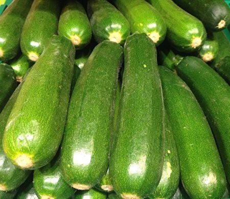 小胡瓜,zucchini,courgette
