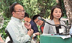 第3屆特首選舉參選人梁家傑昨日在《城市論壇》中直言,胡官參選「大快人心」,說出許多港人的心聲。(大紀元)