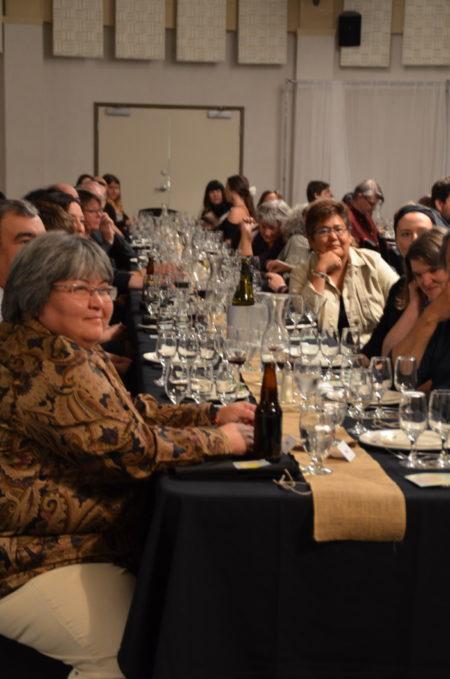 加拿大家庭式的盛宴(大纪元图片)