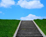 蓝色的天空云磕碰复制空间牧草的绿色景观草坪高潮户外植物天空一步(fotolia)