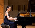 2016新唐人钢琴大赛初赛在纽约举行,参赛选手济济一堂,共襄盛举。图为来自香港的选手潘活活。(戴兵/大纪元)