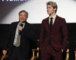 導演李安(左)新作《比利‧林恩的中場戰事》於第54屆紐約影展舉行全球首映,圖右為男主角喬‧阿爾文(又譯:喬‧歐文)。 (Jamie McCarthy/Getty Images)