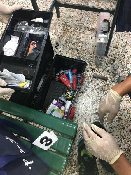台灣高雄市中正高工10月24日上課時,1名男同學疑把玩疑似爆裂物時起火被燒傷,警消據報送醫,學生意識清楚,警方初步調查是爆裂物。(警方提供)