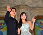 宋仲基(左)和宋慧乔資料照。(JUNG YEON-JE/AFP/Getty Images)