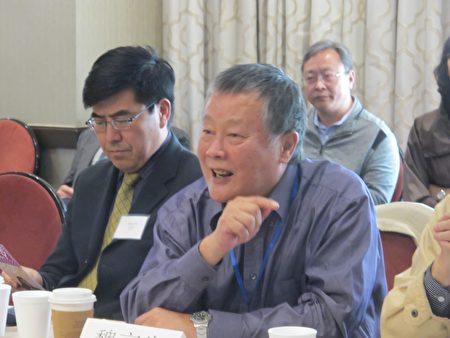 人權活動家魏京生(右)、紐約城市大學教授夏明(左)。