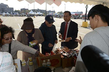 韩国特产受欢迎。(马青/大纪元)