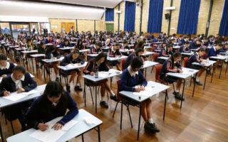 澳大利亚新州HSC开考  7.7万考生参加