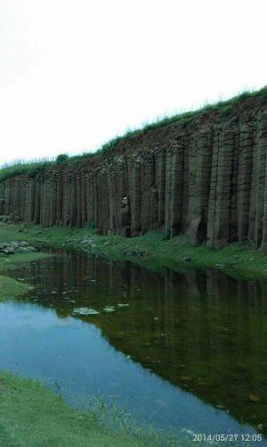 大菓叶柱状玄武岩。(雄狮旅游提供)