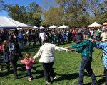 原住民在現場載歌載舞。 (鐘鳴/大紀元)
