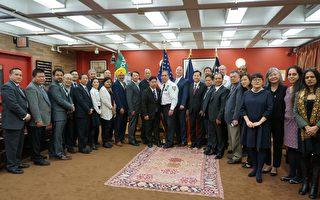 紐約警察局新局長奧尼爾昨日與亞裔社區代表會面。 (陳作舟提供)