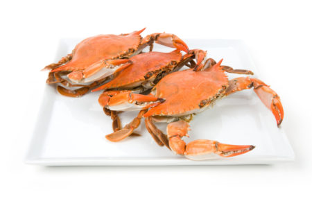 螃蟹上钩带来的乐趣要比吃螃蟹更大,在菊黄蟹肥的秋季,没有比吃螃蟹更应景的了(Fotolia)