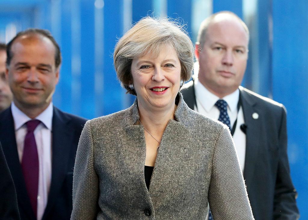 英國首相:明年3月底前啓動脫歐 - 大紀元