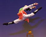 2016年10月20日,新唐人第七屆「全世界中國古典舞大賽」複賽,圖為青年女子組參賽選手施逸謙表演舞蹈《穆桂英掛帥》。(戴兵/大紀元)