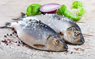 英國營養學家巴恩斯(Cassandra Barns)推薦5種日本食物,有助於增進健康與延長壽命。圖為其中一種食物──魚類。(Fotolia)