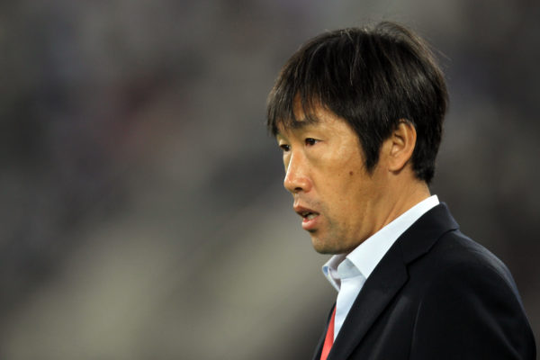 中国男足0-2不敌乌兹别克斯坦,晋级2018世界杯只剩理论可能。主帅高洪波赛后宣布辞职。(KARIM JAAFAR/AFP/Getty Images)