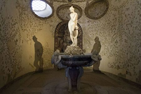 这座洞窟是佛罗伦萨「炼狱」之旅的重要一站。(CLAUDIO GIOVANNINI/AFP/Getty Images)