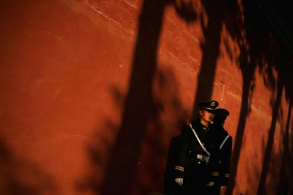 牛津大学教授斯坦?林根在他的新书中用全新的眼光看待中国。他指出,让数亿人脱离贫困的不是共产党政策,而是中国人民的辛勤劳动和企业。(Feng Li/Getty Images)