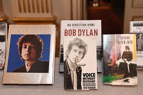 现年75岁的美国著名民谣艺术家、作家鲍勃·迪伦(Bob Dylan)荣获2016年诺贝尔文学奖。 ( JONATHAN NACKSTRAND/AFP/Getty Images)