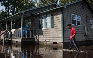 10月5日凌晨開始,襲擊美國東南沿海地區的馬修颶風迄今已經過了近2週,在美國造成了44人死亡。(Sean Rayford/Getty Images)