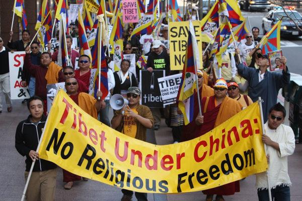 加拿大外交部长近日表示,北京多年来一直试图阻止加拿大外交官进入西藏,包括阻挠探视加国在西藏的援助项目。(David McNew/Getty Images)