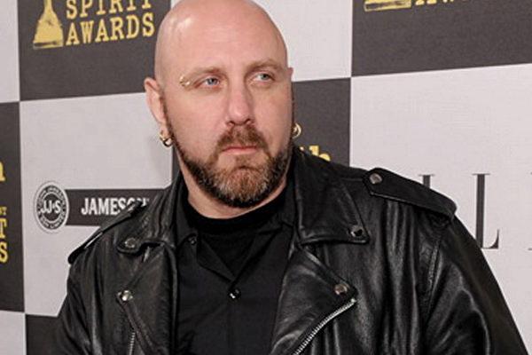 在音樂界被稱為Glenn Five的Glenn Gyorffy,是加拿大知名重金屬搖滾樂團Anvil的前貝司手及作曲人。他說:「來看(神韻)交響樂,這是我給自己的禮物。」(IMBD網站)