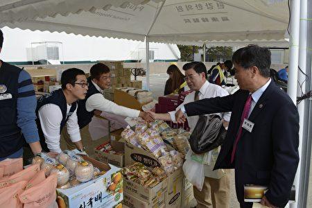 市议员顾雅明出席韩国丰收节。