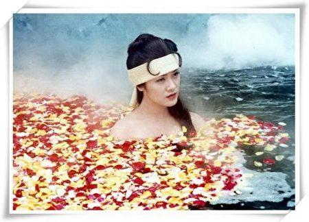 《杨贵妃》剧照,香港演员向海岚饰演的杨贵妃。(网络图片)