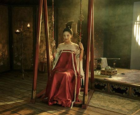 《妖猫传》剧照,张雨绮扮演的最新版杨贵妃。(网络图片)